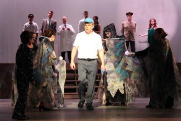 Perrysburg musical theatre lands big fish in impressive for Big fish characters