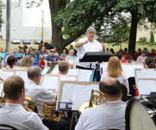 """The Bowling Green Area Community Bands will present a free Spooktacular Family Concert at Sunday Oct. 23 at 4 p.m. on the Bowling Green Schools performing Arts Center. The concert will feature the concert band directed by Thomas headley and the BiG Band BG directed by William Lake. Among the pieces to be performed will be : """"The Ghost Lights of Newton County,"""" """"Hocus Pocus,"""" """"The Toy Parade,"""" """"Who's That Masked Man?"""" and """"Zooveniers."""" Children are encouraged to come in costumes (non-scary)."""