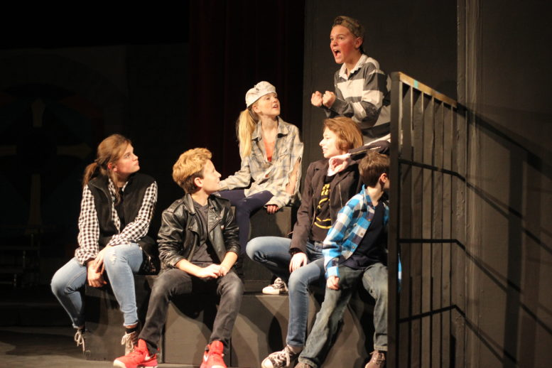 Christmas Pageant.Players And Horizon Revive Best Christmas Pageant Ever