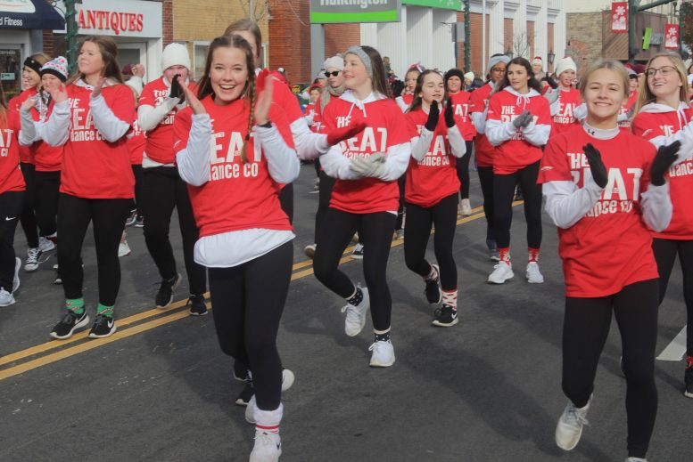Bowling Green Ohio Christmas Parade 2020 No detours as Polar Express rolls through downtown Bowling Green